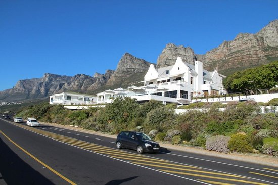 The Twelve Apostles Hotel and Spa: Hotel