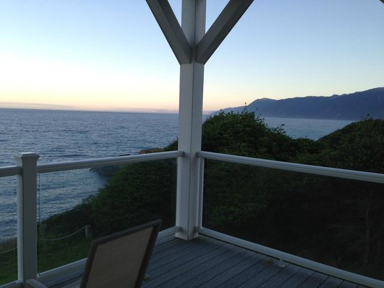 Spyglass Inn at Shelter Cove: View from Spyglass room balcony