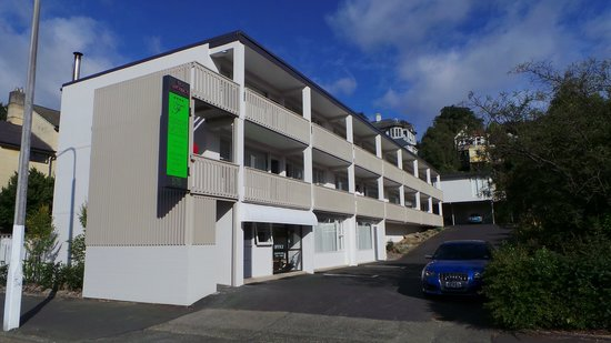 Farrys Motel / Apartments