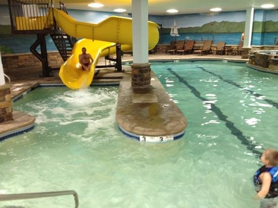Comfort Suites Lake George: we loved the pool!