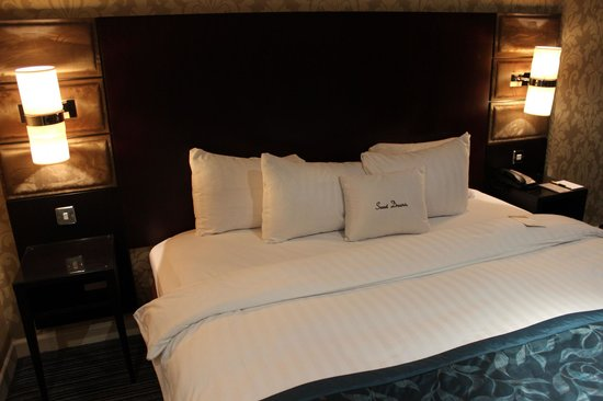 Doubletree by Hilton Cambridge: A comft bed