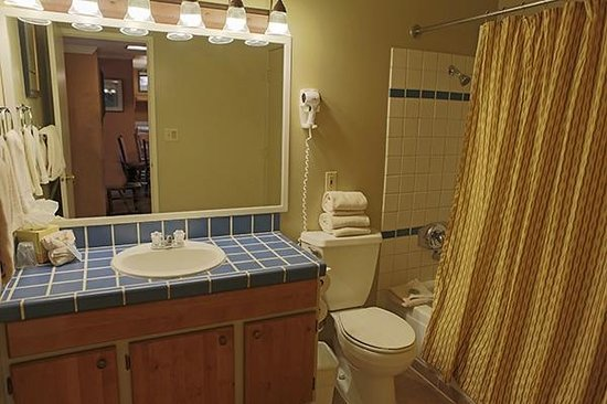 Forest Suites Resort at Heavenly Village: Suite Bathroom