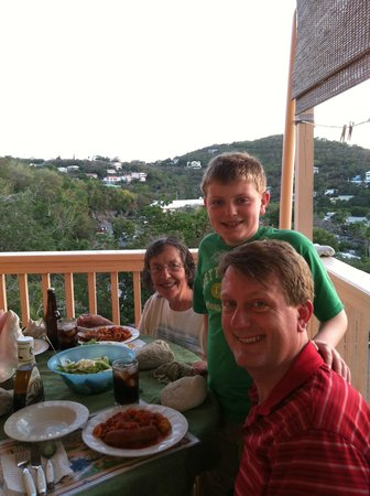 Samuels Cottages: Dinner on the porch
