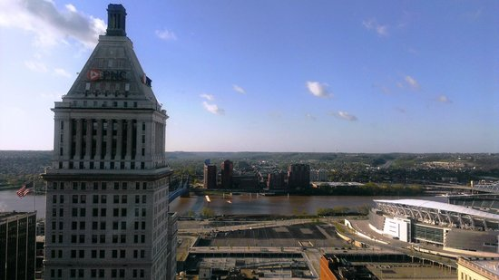 Hilton Cincinnati Netherland Plaza: View from 29th floor facing south
