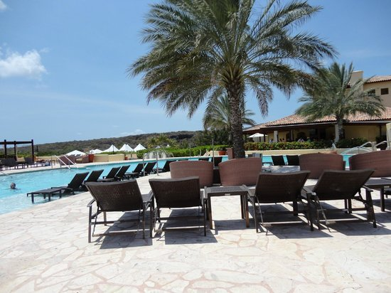 Santa Barbara Beach &amp; Golf Resort, Curacao : Pool area 