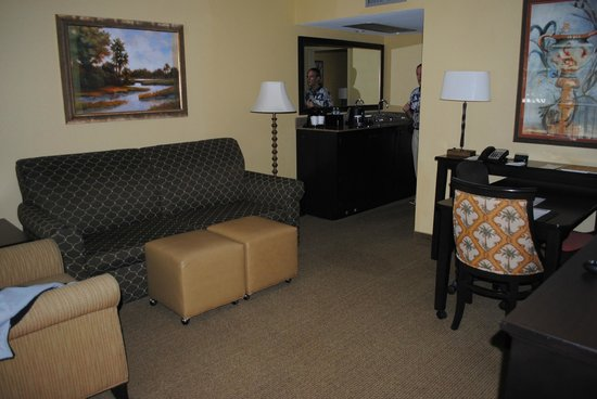 Embassy Suites by Hilton Fort Lauderdale 17th Street: The sitting area which leads to our bedroom