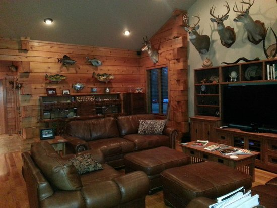 Cotter, AR: Gathering room