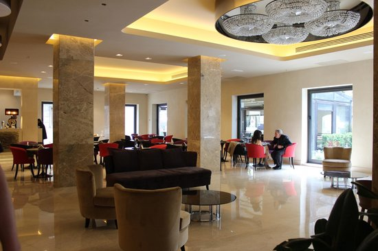 Grand Hotel Mediterraneo: Lobby/Lounge area