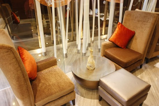 On8 Sukhumvit: hotel lobby, wifi area