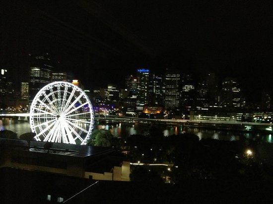 Rydges South Bank Brisbane: brisbane at night