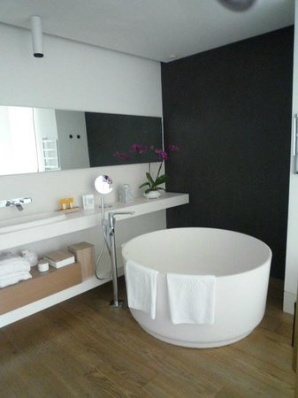 Mandarin Oriental, Barcelona: Loved the bathroom