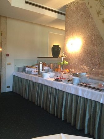 Plaza Lucchesi Hotel : sala colazione 