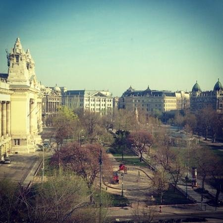 Iberostar Grand Hotel Budapest: View from 4th floor