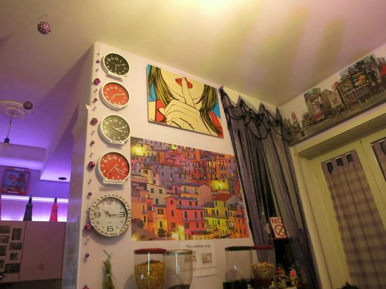 Dreaming Rome Hostel: more wall clocks