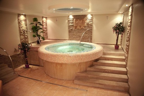 Jacuzzi In Slaapkamer Hotel : A Hotel with Jacuzzi Room