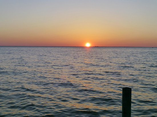 Point Clear Cottages: Sunset from the Pier
