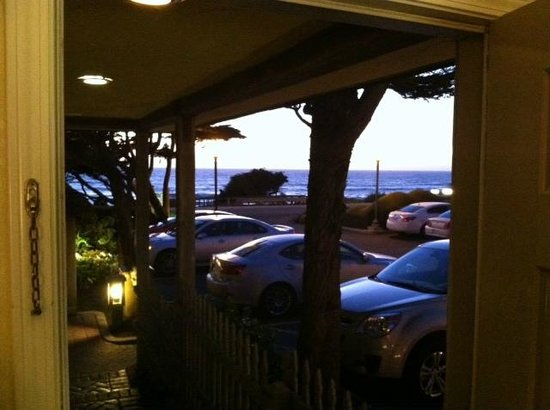 FogCatcher Inn: View after sunset from open door