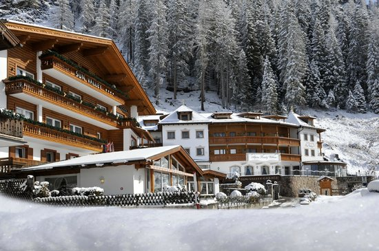 Photo of Hotel Sun Valley Selva Di Val Gardena