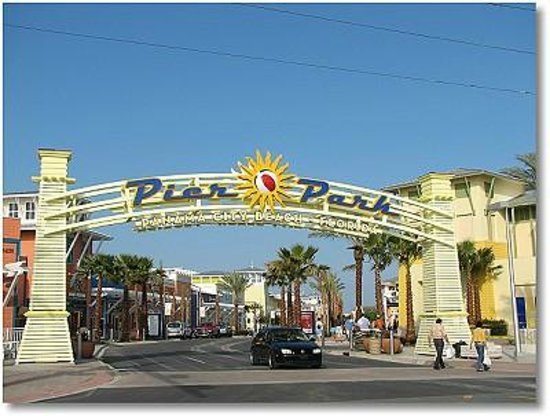 Nostalgic 1950's Panama City Beach Bed and Breakfast: Pier Park Shopping, Dining, 3 Miles From B and B