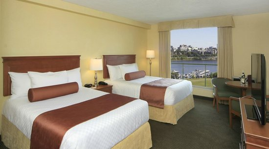 BEST WESTERN PLUS Gatineau-Ottawa: 2 Double Beds riverview with balcony