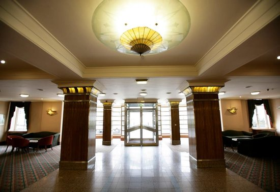 Tavistock Hotel front desk