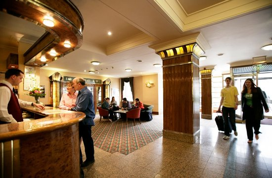 Tavistock Hotel: Tavistick Hotel reception area
