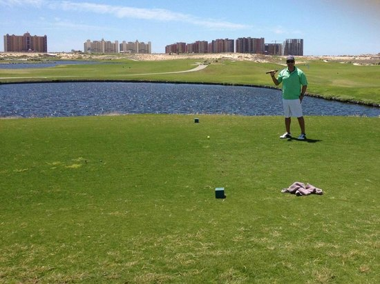Las Palomas Beach & Golf Resort: golfing
