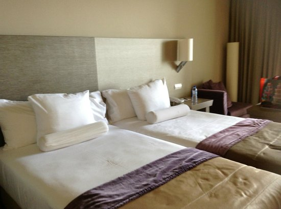 Melia Madeira Mare Resort &amp; Spa: Twin bedded room