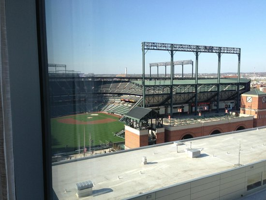 Hilton Baltimore: Looking over the Camden Yard