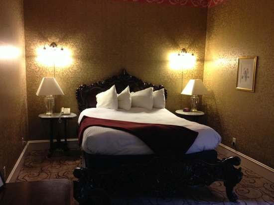 Water Street Inn: Bed room