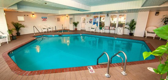 Islander Inn: Heated Indoor Pool