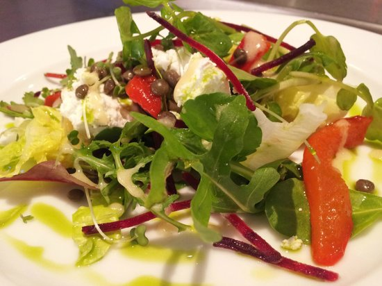 Lydford, UK: Goat's cheese salad