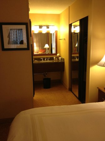 Los Angeles Airport Marriott: First Bathroom Sink Suite 4073
