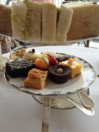 Reid&#39;s Palace by Orient-Express : tasty bit of confection:  High Tea @ Reids 