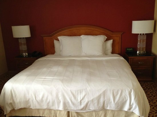 Marriott Anaheim: Bed Room 339
