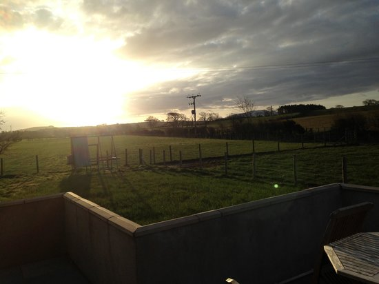Dearham, UK: Evening sunset with stunning views at the westfarm cottage