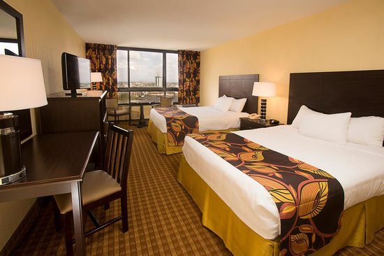 Ramada Plaza Resort & Suites International Drive: Standard Room with 2 Queen Beds