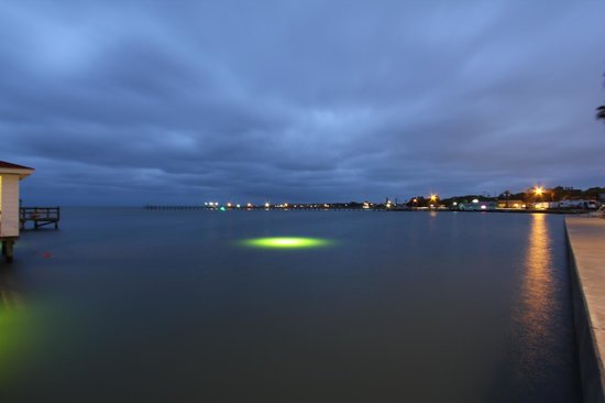 Lighthouse Inn at Aransas Bay: night view