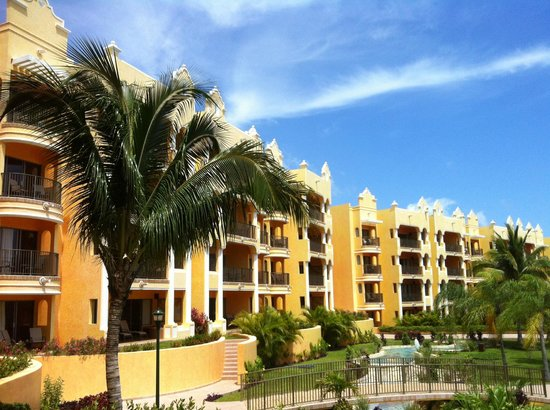 The Royal Haciendas, All Inclusive, All Suites Resort: Cute Hacienda Style - not cold concrete like other hotels
