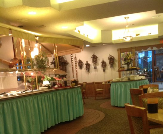 Inn of the Hills Resort & Conference: Breakfast buffet at Alpine Restaurant, Inn of the Hills, Kerrville TX