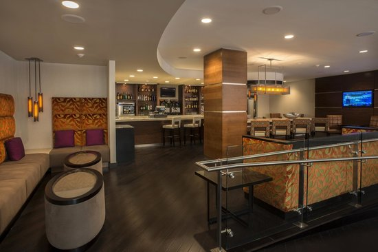Marriott Tulsa Hotel Southern Hills: Enjoy Craft Cocktails With New Friends At One Of Our Communal Tables