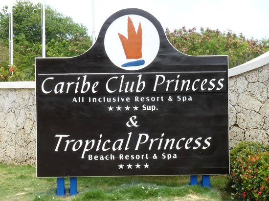 Tropical Princess Beach Resort & Spa: L'entrée du complexe
