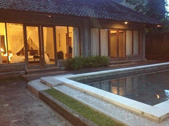Nefatari Exclusive Villas: 2 bedroom pool villa at dusk