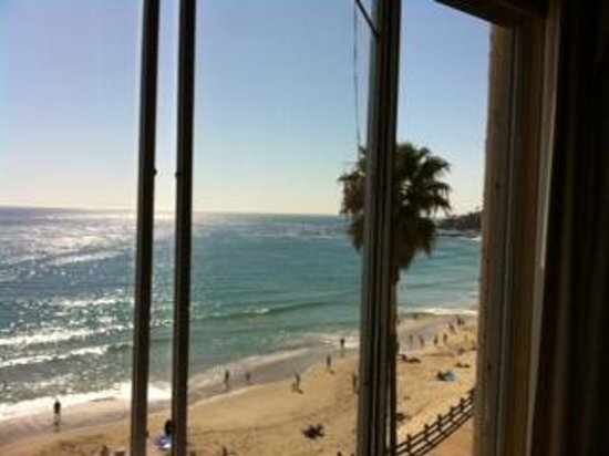 Hotel Laguna: beach view