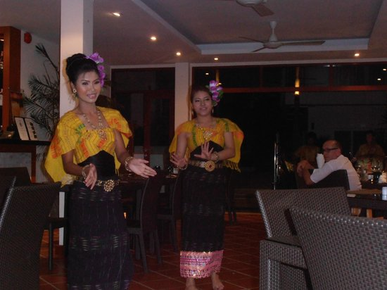 Karon Sovereign All Suites Resort: Thai theme