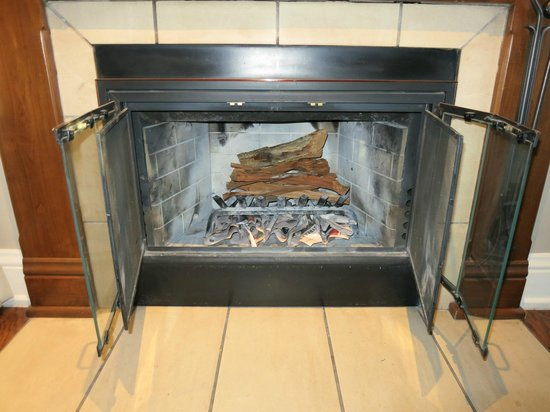 L&#39;Auberge de Sedona: Loved the fireplace!  It smelled incredible