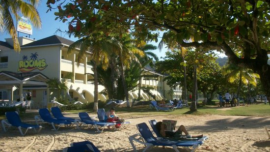 Rooms Ocho Rios : Hotel from beach 