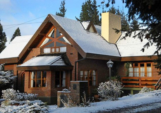 Hosteria Canela B&B: Canela in winter