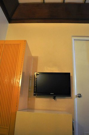 Shogun Suite Hotel: LCD TV
