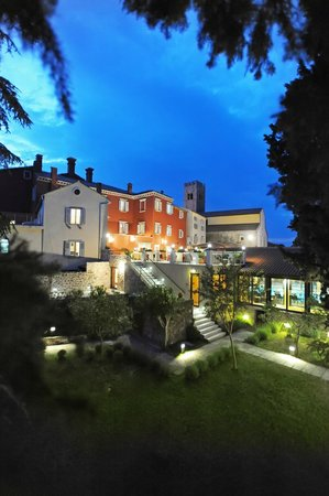 Kastel Hotel: hotel